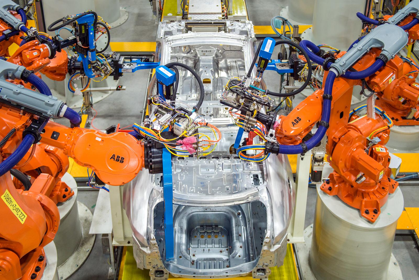 Jaguar XFL assembly