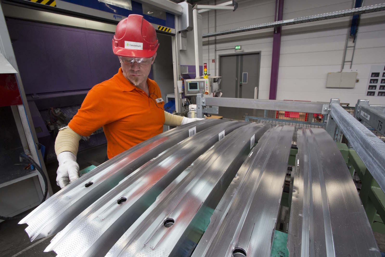Manufacturing of aluminum crash management systems