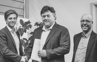 Gränges signs MOU with Aurora Labs (L-R): Carl Rodling, VP of Strategy and M&M for Gränges; David Budge, founder and managing director of Aurora Labs; and Richard Westergård, manager of New Material Technology for Gränges.