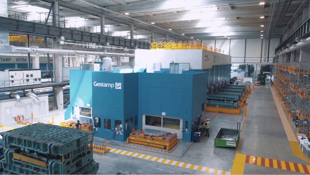 Gestamp started up two servo press lines for the production of aluminum components in Slovakia.