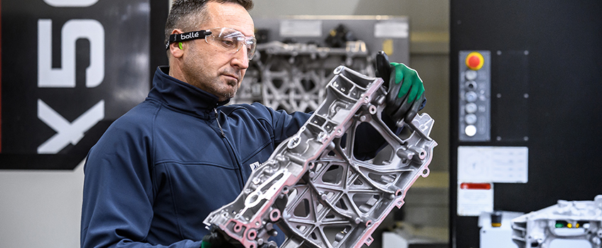 The casting operations in Poitou are able to produce complex die cast and machined parts.