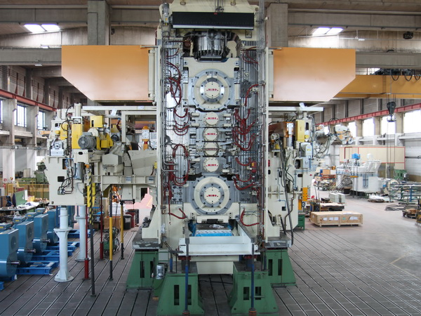 A typical 6-Hi cold mill for aluminum during pre-assembly in MINO's workshop in Alessandria, Italy.