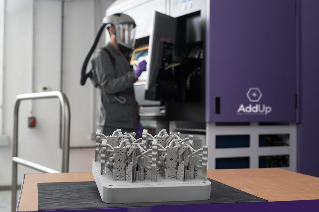 A research team is working to develop innovative additively manufactured components from aluminum powders. (Photo: P. Urvoy.)